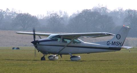 Cessna 182 G-MISH, taxying at Redhill